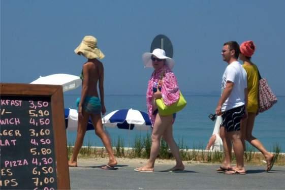 Στα 4,1 δισ. αυξήθηκαν οι τουριστικές εισπράξεις 6μηνου