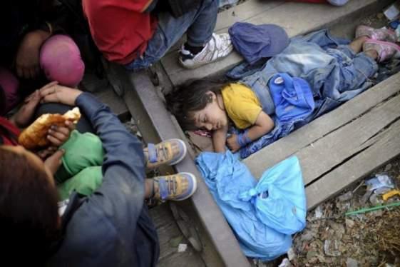 Προφυλακίστηκαν οι ύποπτοι για το θάνατο 71 προσφύγων