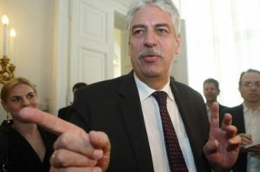 Αυστριακός ΥΠΟΙΚ: Ο ΣΥΡΙΖΑ τηρεί το μνημόνιο καλύτερα από όλους!
