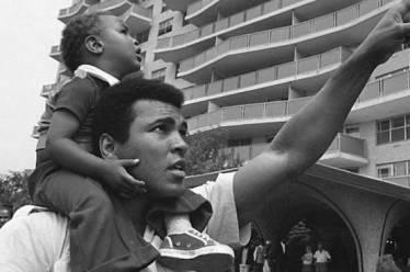 Μοχάμεντ Άλι: Τους δίνω πίσω το λευκό τους όνομα