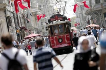Συνεχίζεται η «εκκαθάριση» στην Τουρκία – 49.321 άτομα απομακρύνθηκαν από…