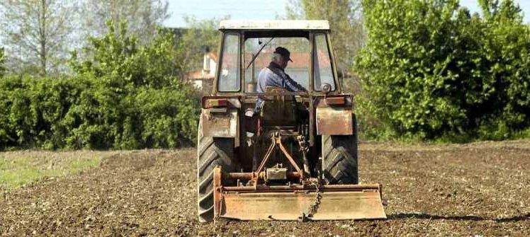 Έρχονται μηνιαίες ασφαλιστικές εισφορές για 650.000 αγρότες