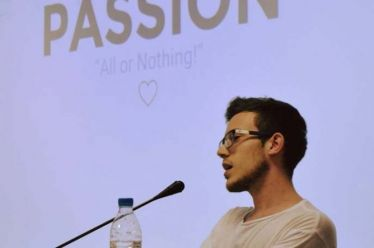 Έλληνας 20χρονος φοιτητής του ΠΑΜΑΚ βάζει τέλος στις ψευδείς ειδήσεις στον κυβερνοχώρο