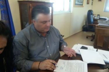 Υπογραφή σύμβασης έργου κατασκευής συνδετήριων οδών