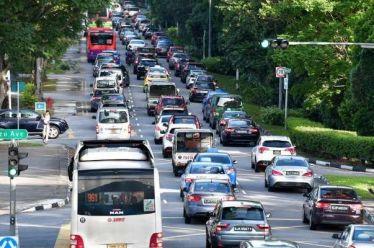 """Η Σιγκαπούρη """"παγώνει"""" των αριθμό των αυτοκινήτων στους δρόμους!"""
