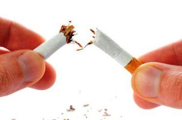 Τσιγάρο: Πώς δεν θα πάρουμε κιλά αν κόψουμε το κάπνισμα