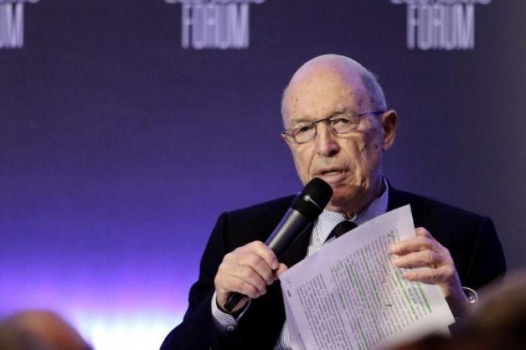 Σημίτης: «Παραμύθι» το ότι η Ελλάδα θα εφαρμόσει το δικό της πρόγραμμα μετά τον Αύγουστο