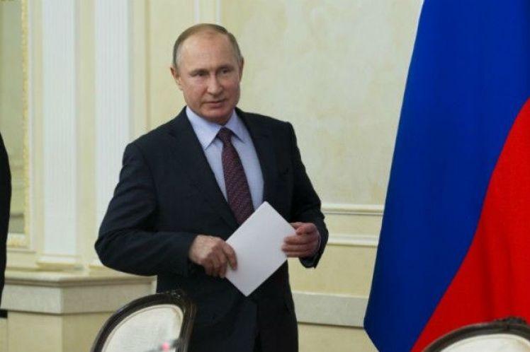 Σαρωτική νίκη Πούτιν για την προεδρία βλέπει δημοσκόπηση