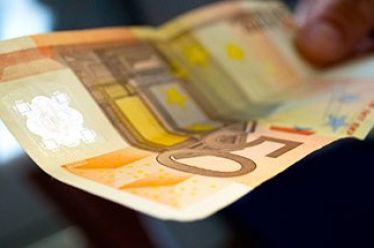 Επιστρέφονται επιδόματα και συντάξεις που κατασχέθηκαν για χρέη στον ΕΦΚΑ, δεν θα ισχύει όμως το ίδιο για τις αγροτικές ενισχύσεις