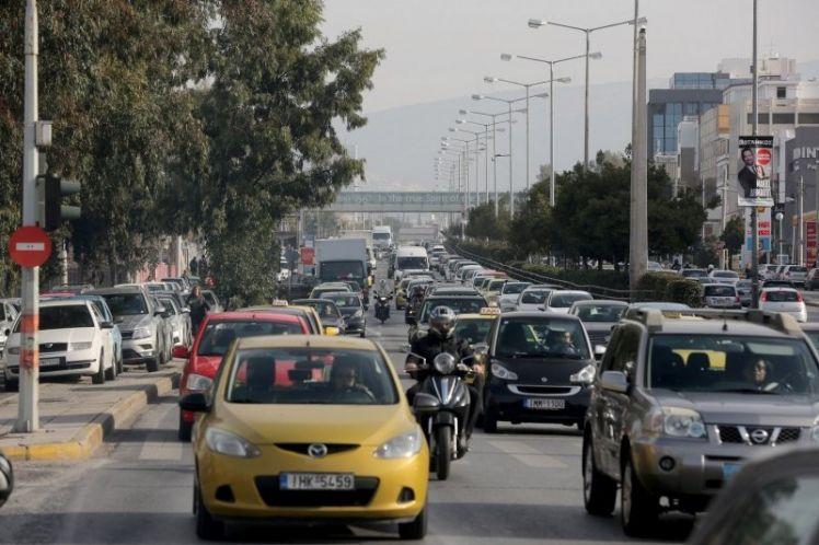 Από την εφορία στα …σκουπίδια οι πινακίδες των αυτοκινήτων – Μειώνεται ο χρόνος ακινησίας