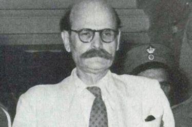 Νίκος Πλουμπίδης