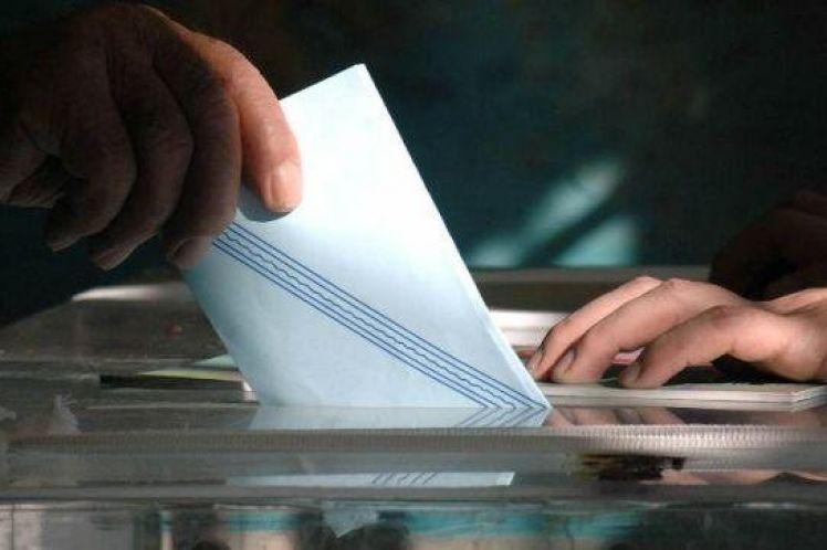 Νέα δημοσκόπηση: Πρωτιά της ΝΔ με πεντακομματική βουλή και εκπλήξεις