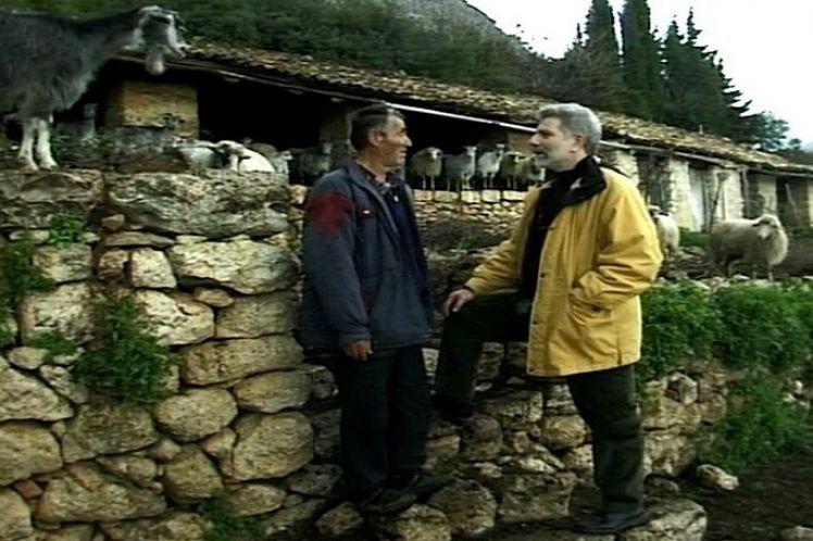 Η ελληνοαλβανική φιλία κόλλησε στη γραφειοκρατία και το βούρκο του εθνικισμού