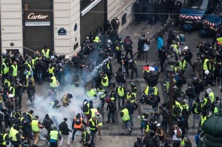 «Κίτρινα γιλέκα»: 481 προσαγωγές στο Παρίσι, 211 άτομα τέθηκαν υπό προσωρινή κράτηση