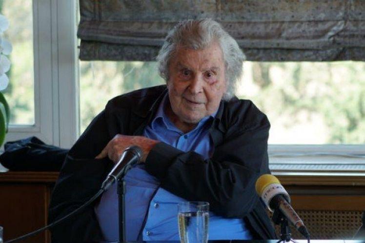 Ο Μίκης Θεοδωράκης για την επίσκεψη της Άνγκελα Μέρκελ