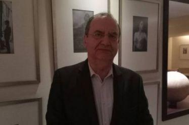 Στρατούλης στο Αγρίνιο: Κάλπικες οι προεκλογικές υποσχέσεις Τσίπρα – Μητσοτάκη για εμπόρους και επαγγελματίες.