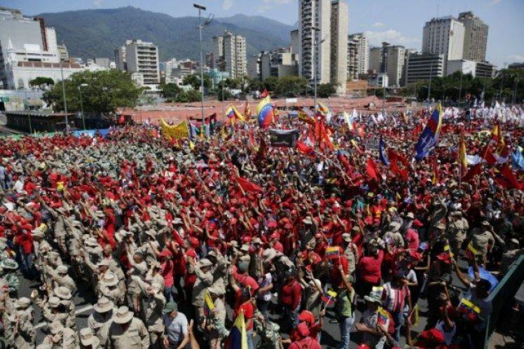 Υπογραφές «κατά του πραξικοπήματος» στη Βενεζουέλα
