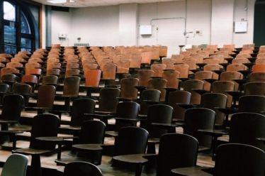 Τα πρώτα αγγλόφωνα τμήματα σε ελληνικά πανεπιστήμια