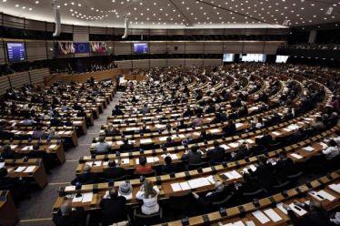 Χαρακτηριστικά «φορολογικού παράδεισου» βλέπει στην Κύπρο το Ευρωκοινοβούλιο
