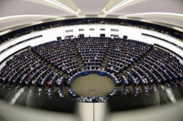 Ευρωκοινοβούλιο-δημοσκόπηση: Δίνει στο 3,2% τη Λαϊκή Ενότητα με 1 ευρωβουλευτή