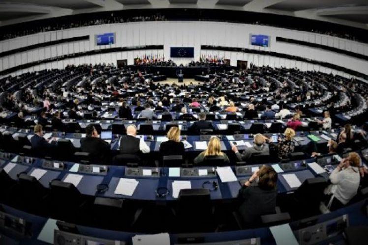 Ευρωεκλογές: Η ευκαιρία των πολιτών να «πυροβολήσουν» το ευρωιερατείο