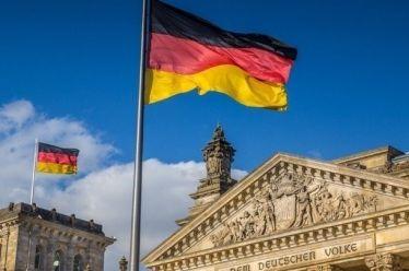 Η γερμανική οικονομία ενώπιον κινδύνου ύφεσης