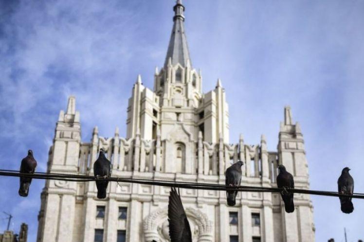 Μόσχα για κυρώσεις ΗΠΑ: Ένα κράτος με χρέος 22 τρισ. απαγορεύει σε άλλους να αναπτυχθούν