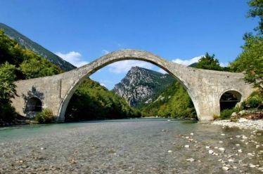 Γεφύρι Πλάκας : Ολοκληρώθηκε το έργο αποκατάστασης του ιστορικού γεφυριού