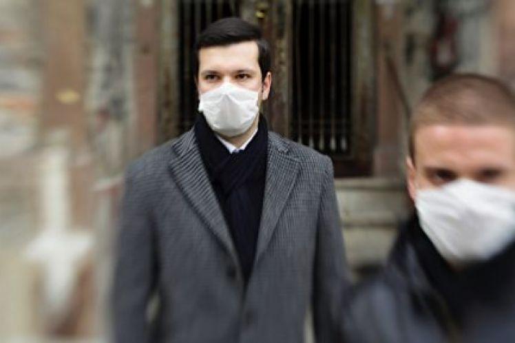 Έρευνα: ένας στους τρεις Έλληνες είναι ελκυστικότερος με τη μάσκα