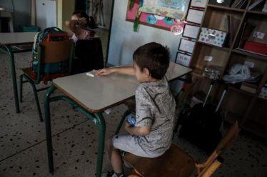 Επιστροφή στα θρανία: Έπεσαν έξω οι δημοσκοπήσεις – Πώς εξηγείται η μεγάλη «ψαλίδα» συμμετοχής μαθητών σε Λύκεια και δημοτικά