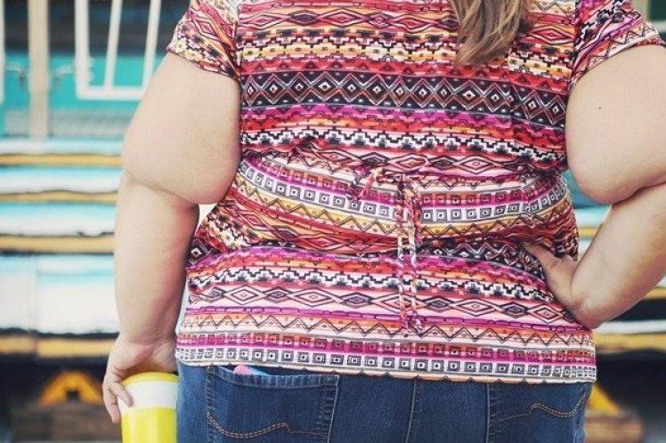 Η παχυσαρκία αυξάνει τον κίνδυνο θανάτου από Covid-19, σύμφωνα με βρετανική έκθεση