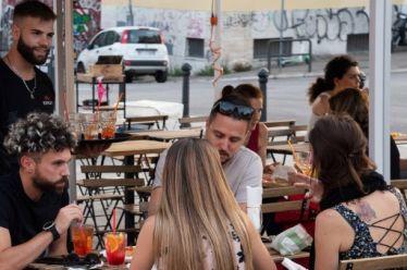 Ιταλία-Covid-19: Μειώνονται οι κρατήσεις των Ιταλών για διακοπές